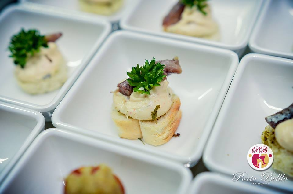 canapes-de-anchovas