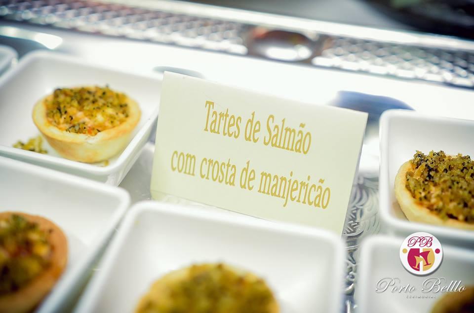 tartes-de-salmao-com-crosta-de-manjericao
