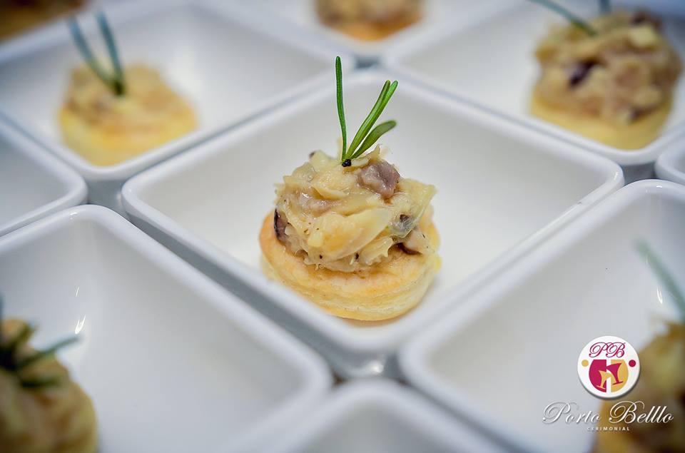 vol-al-vent-de-frango-com-mix-cogumelos-salteados-na-manteiga